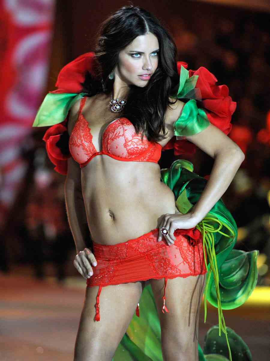 natural-angels  VSFS 2012: Adriana Lima (Angels in Bloom)